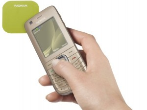 nokia-6216-classic-nfc-in-hand-1