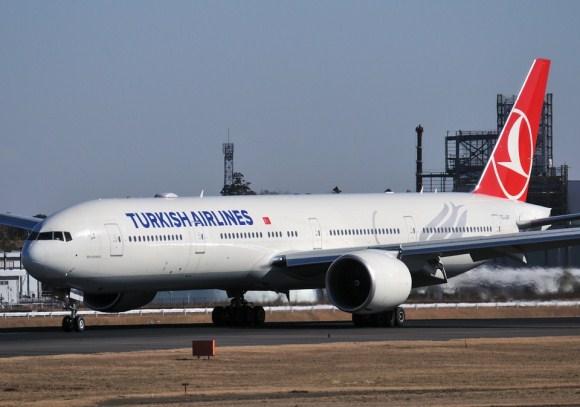 Boeing 747-8, 777 ve 787 Dreamliner uçaklarında cep telefonu kullanımı serbest olacak
