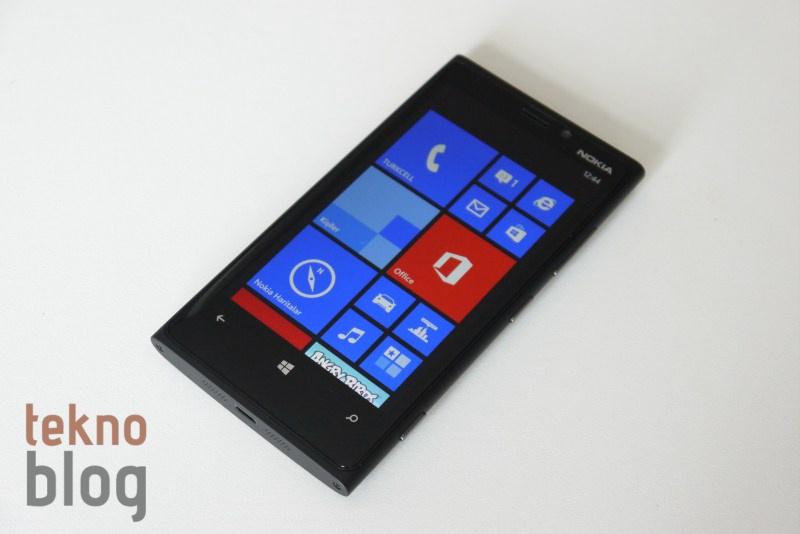Lumia 920 de Windows 10 Teknik Ön İzleme telefon sürümünün kurulabileceği cihazlar arasında yer alıyor.