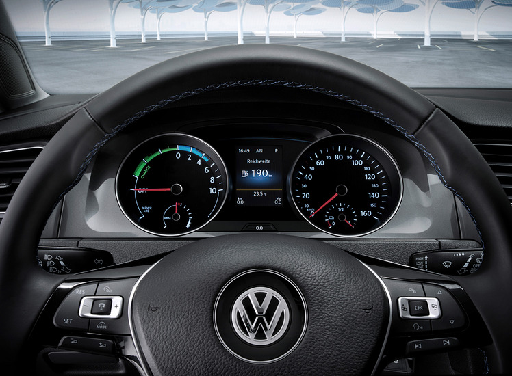 volkswagen-e-golf-e-up-110913-6