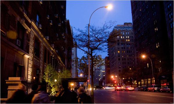 new-york-sokak-lambasi-251013