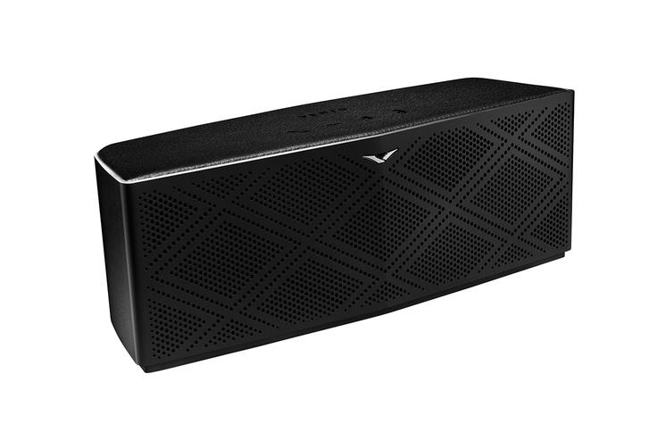 vertu-v-headphones-speaker-030914-3