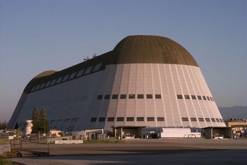 nasa-moffett-field-hangar-1-111114