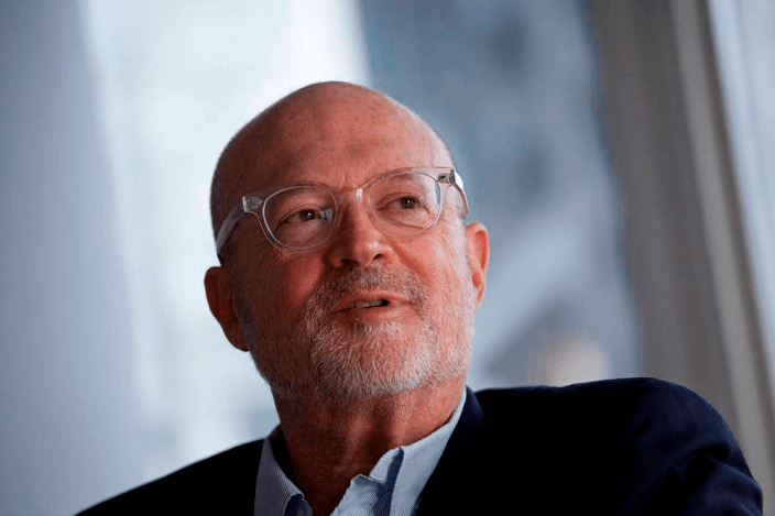 mickey-drexler-apple-230115