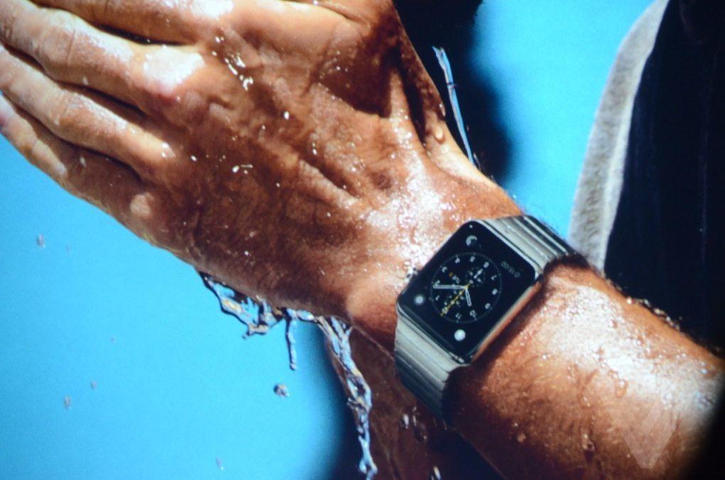 apple-watch-suya-dayanikli-090315