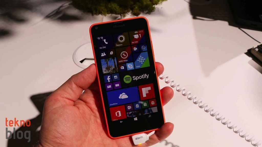 nokia-lumia-640-ve-lumia-640-xl-on-inceleme-1