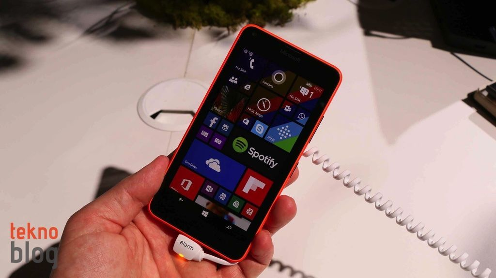 nokia-lumia-640-ve-lumia-640-xl-on-inceleme-2