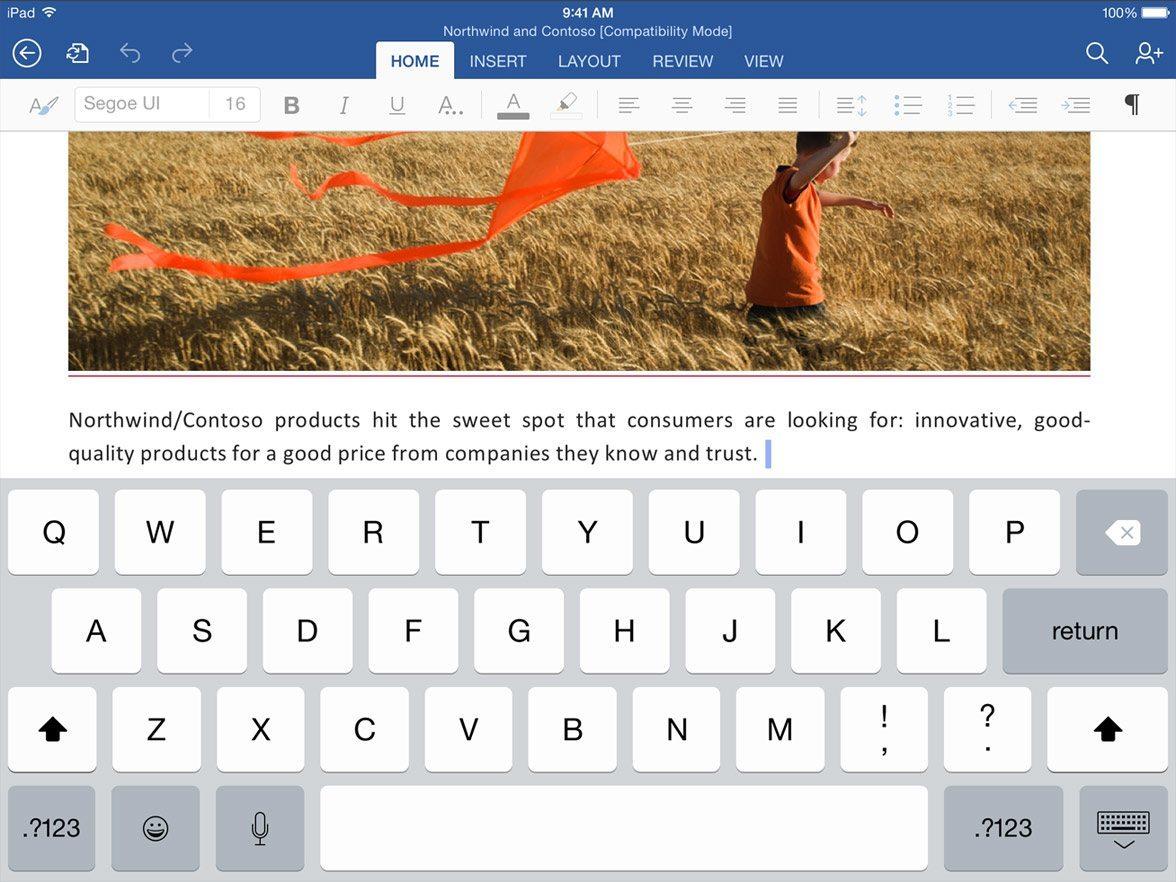 iOS 8 yüklü iPad'de kullanılan klavye