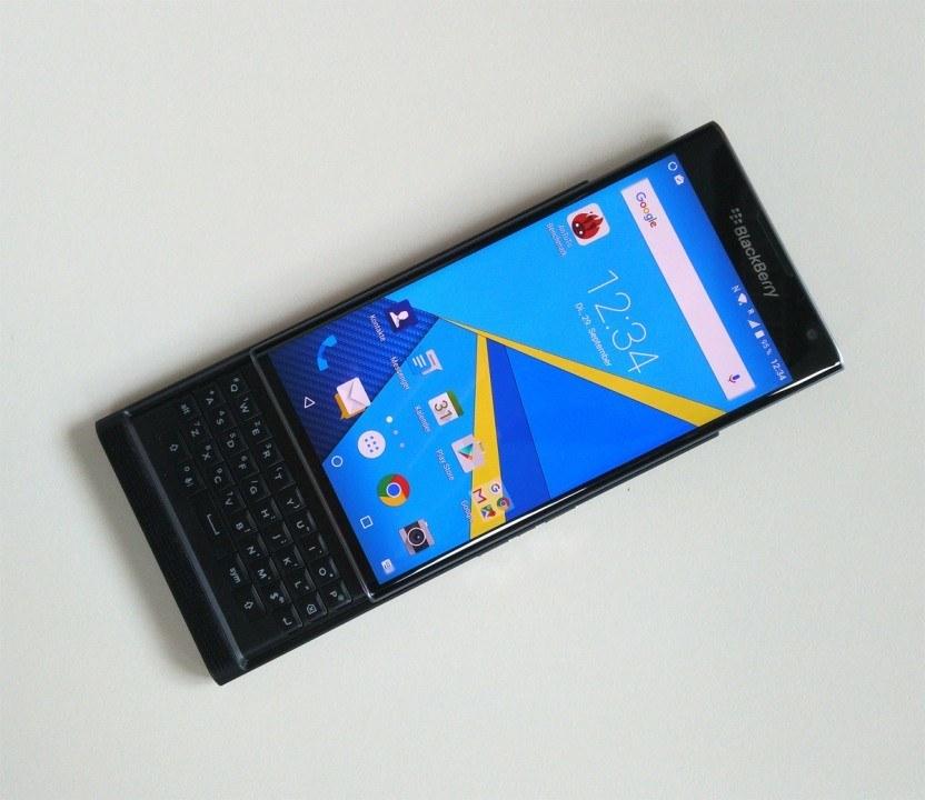 blackberry klavyeli telefon