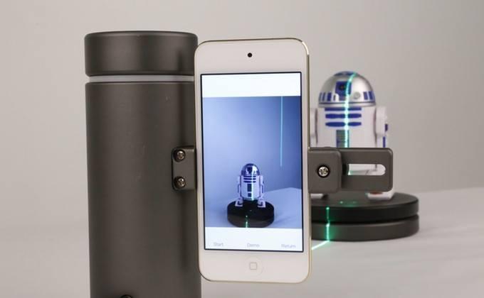 eora 3D tarayıcı akıllı telefon ve yeşil lazer ile nesneleri tarıyor