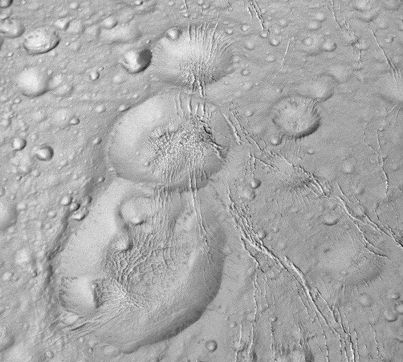 saturn-enceladus-kuzey-kutbu-161015-2