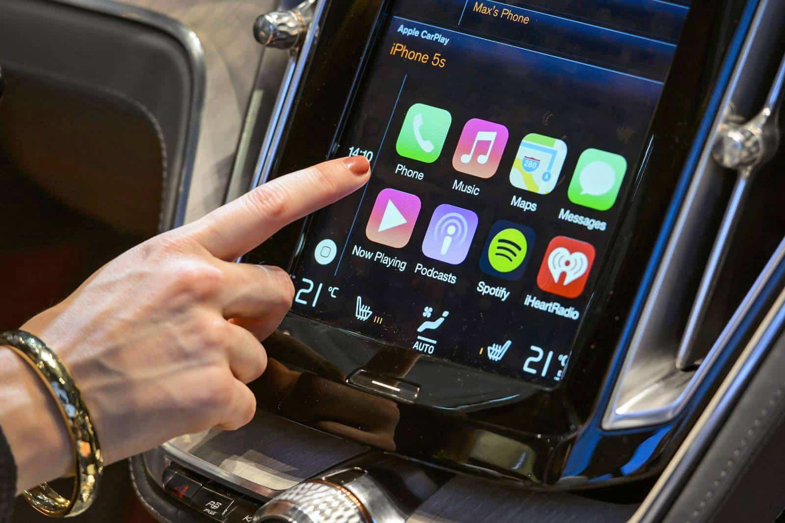 Apple CarPlay 200'den fazla modeli destekliyor