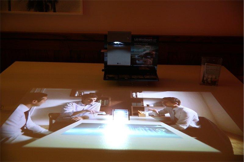 lg-turkiye-projektor-031116
