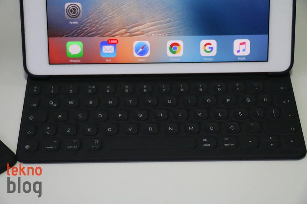 ipad-pro-smart-keyboard-turkce-q-120317-4