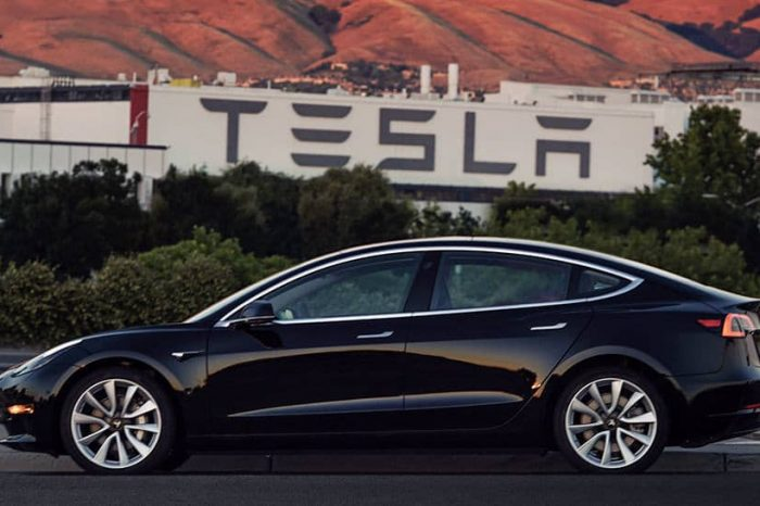 Tesla Model 3 üretiminde üçüncü çeyrek hedefini tutturdu