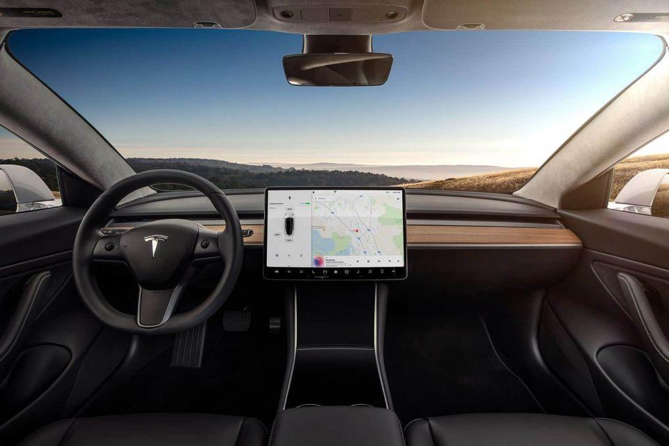 tesla autopilot surucusuz otomobil