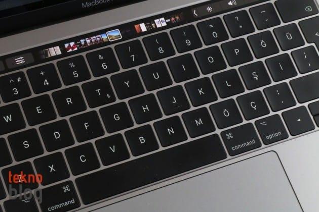 apple macbook klavye pro touch bar