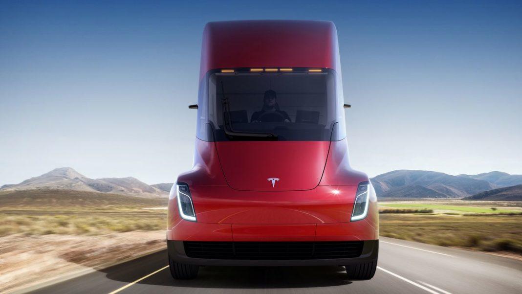 Tesla elektrikli kamyon pazarına Semi ile merhaba diyor