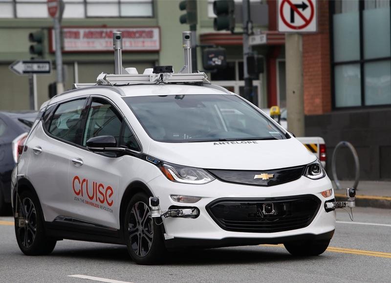 gm robot taksi