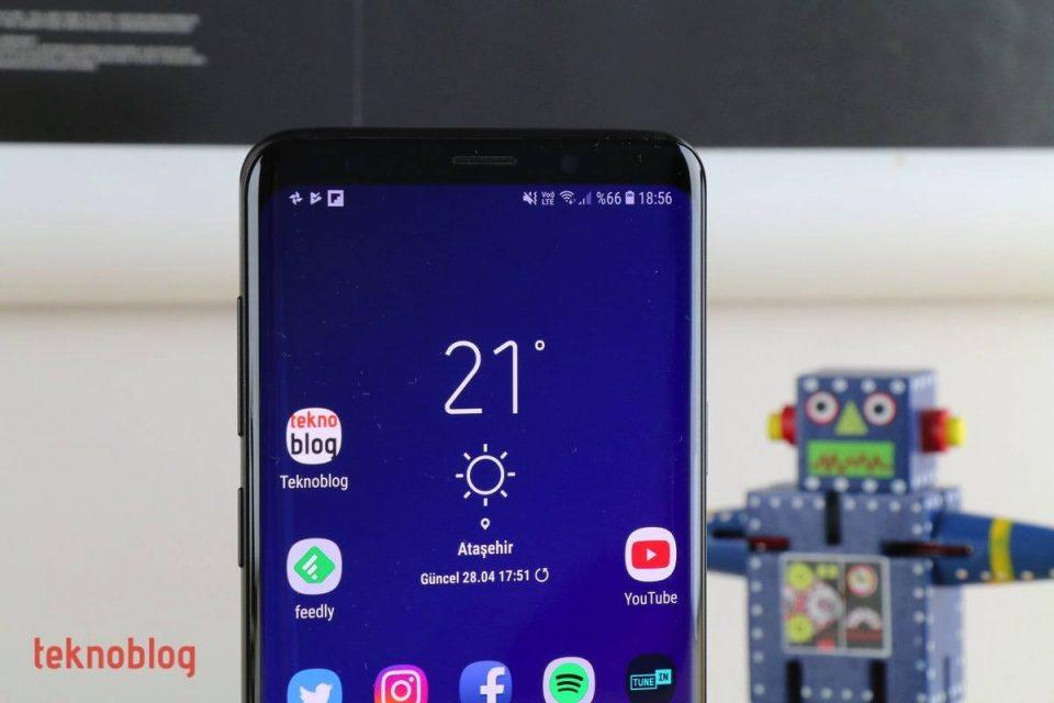 Samsung Galaxy S10 ekran koruyucusu en ince ekran çerçevesini işaret ediyor
