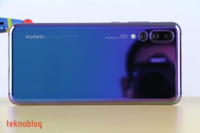 Huawei 2019'da dört arka kameralı telefonlar çıkarmayı planlıyor