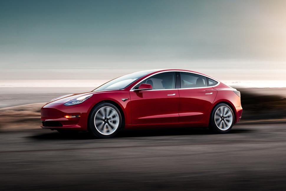 Tesla Model 3 Performance 3.5 saniye içinde 97 kilometre hıza ulaşacak