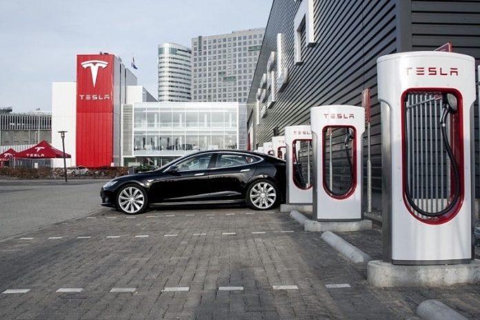 Tesla Türkiye genelinde şarj istasyonları kurmayı planlıyor koronavirüs