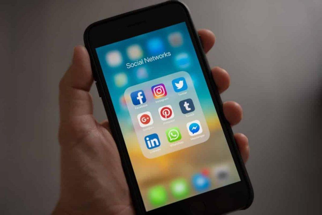 sosyal medya düzenlemesi google