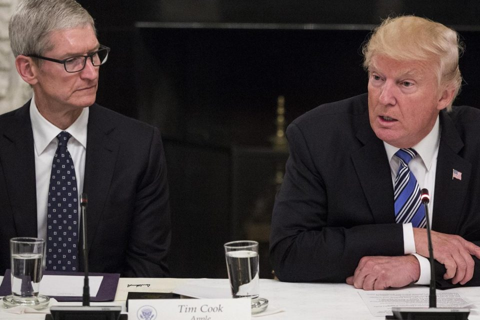 "Donald Trump'tan ""Tim Apple"" gafı"