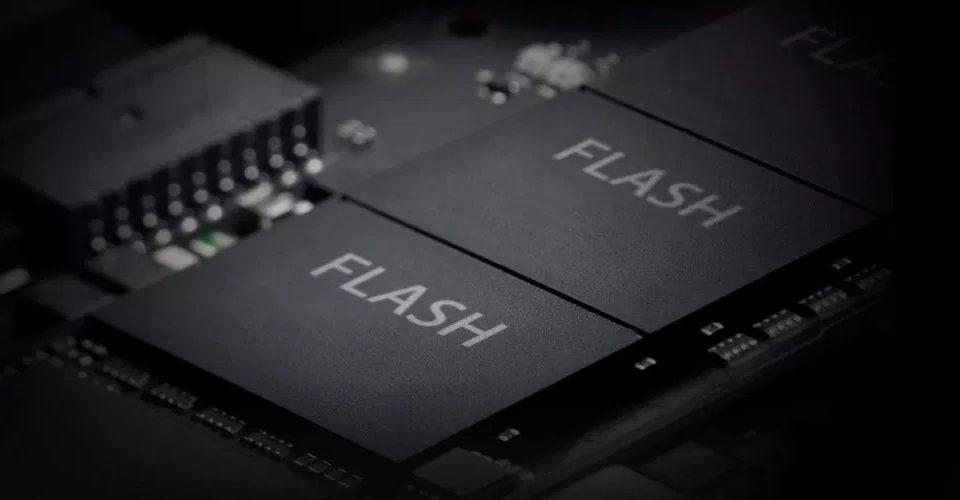 Apple Toshiba'nın bellek birimindeki hisselerini satıyor