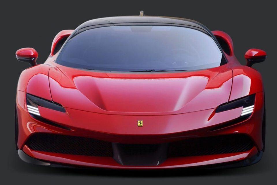 Ferrari SF90 Stradale ile geleceği selamlıyor