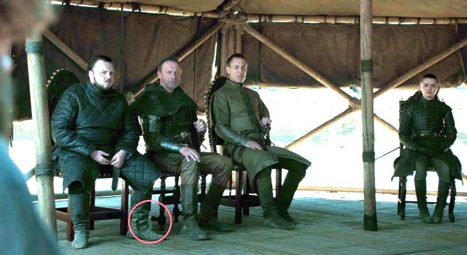 Game of Thrones finalinin konuk oyuncusu pet su şişesi oldu