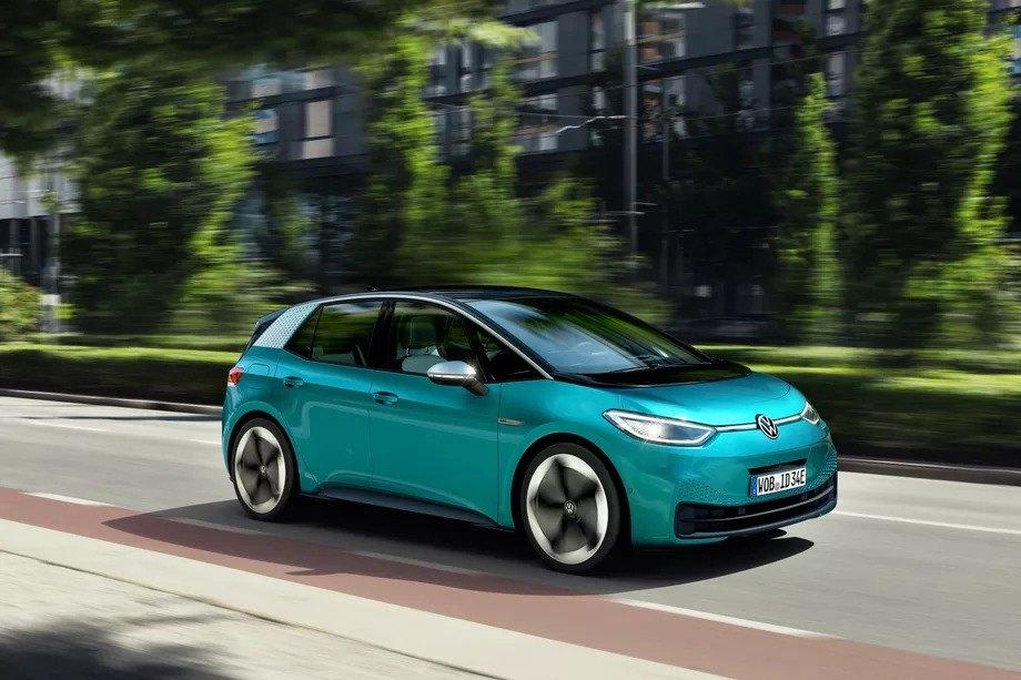 Volkswagen ilk tam elektrikli otomobili ID.3'ü gözler önüne çıkardı