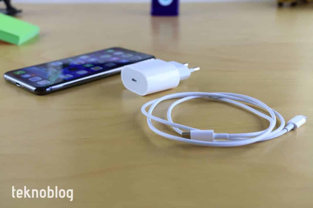 iphone 12 şarj adaptörü