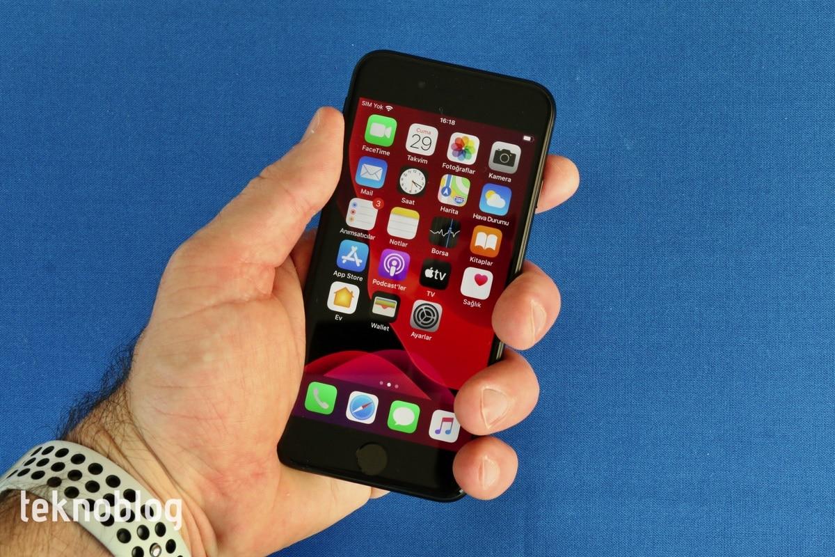 Video: iPhone SE (2020) Kutusundan Çıkıyor