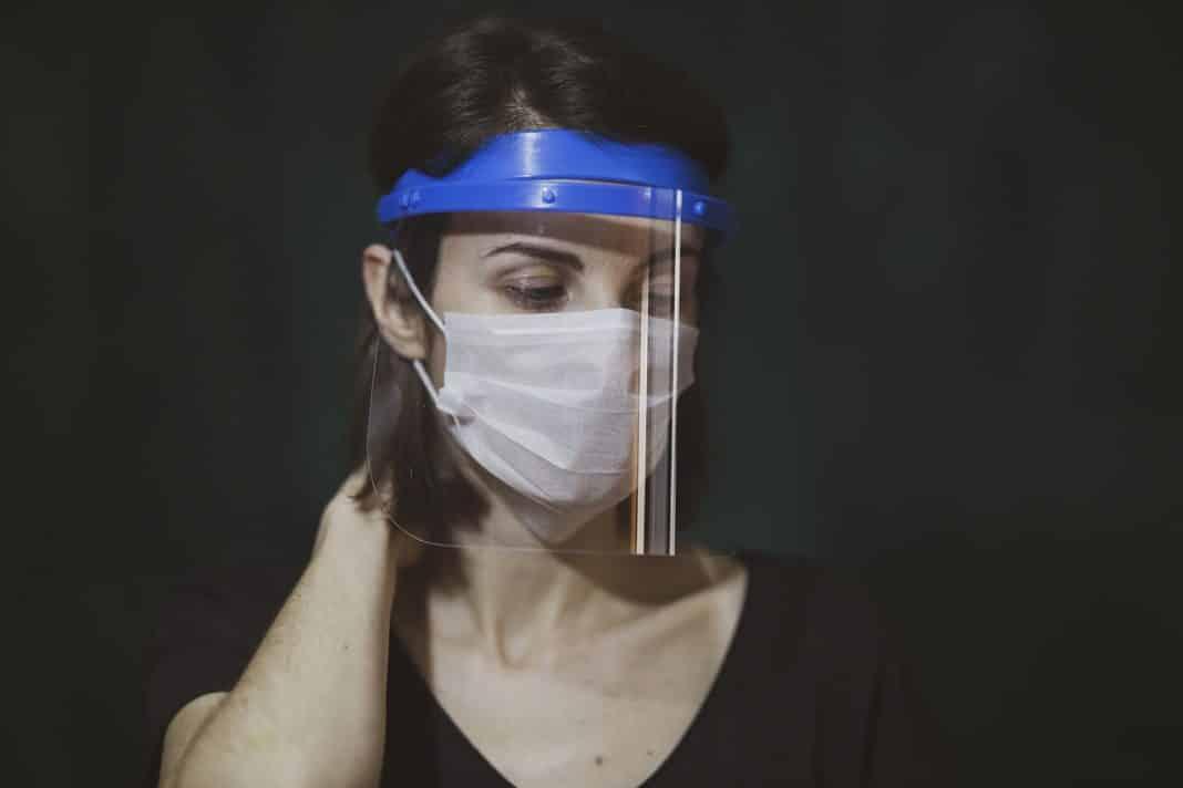 yüz koruyucu siperlik