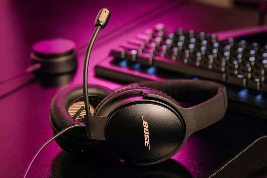 Bose QC35 II kablosuz kulaklığını oyun kulaklığına dönüştürdü
