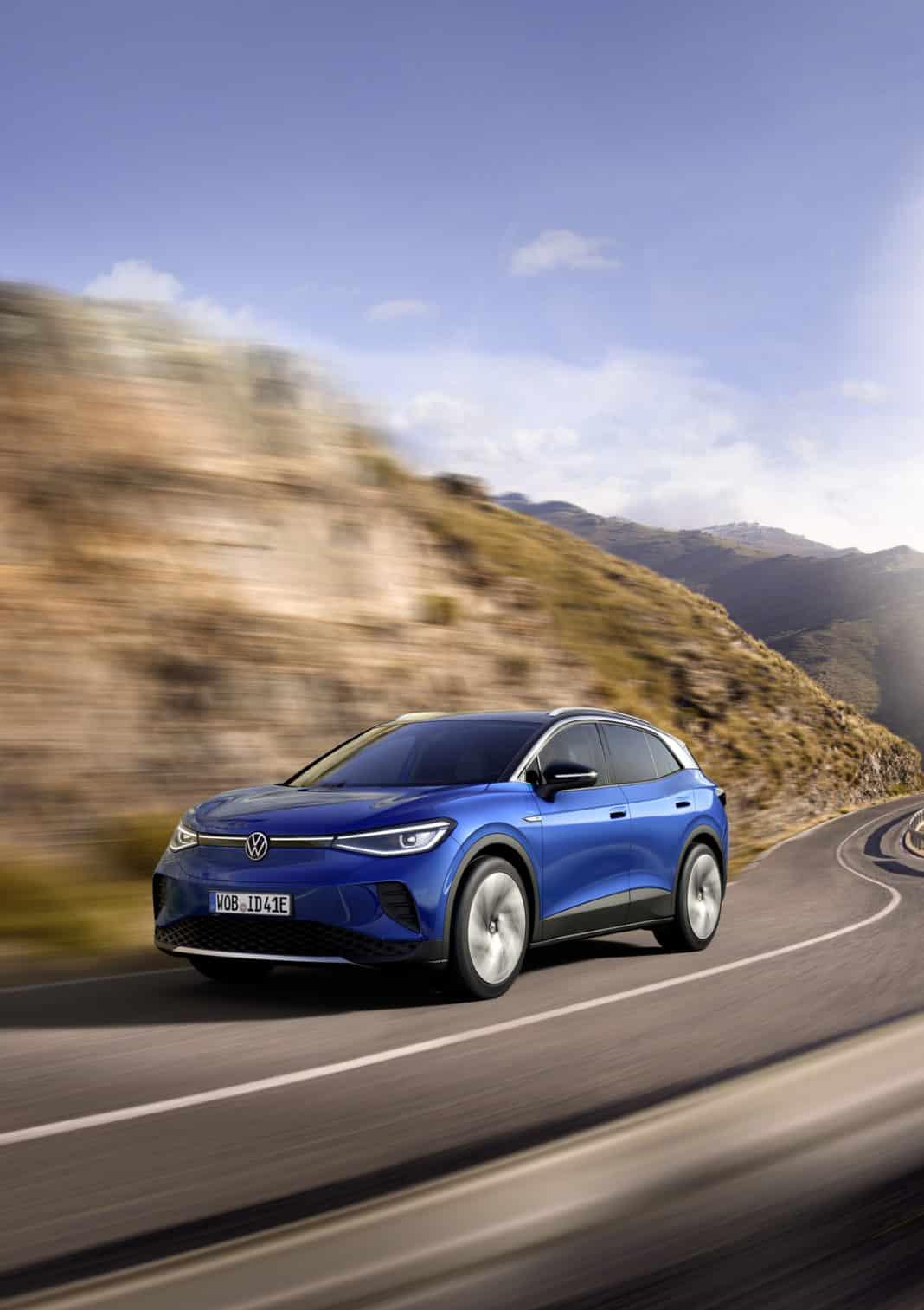 Volkswagen ID.4 elektrikli SUV yollara çıkmaya hazır sürücüsüz otomobil