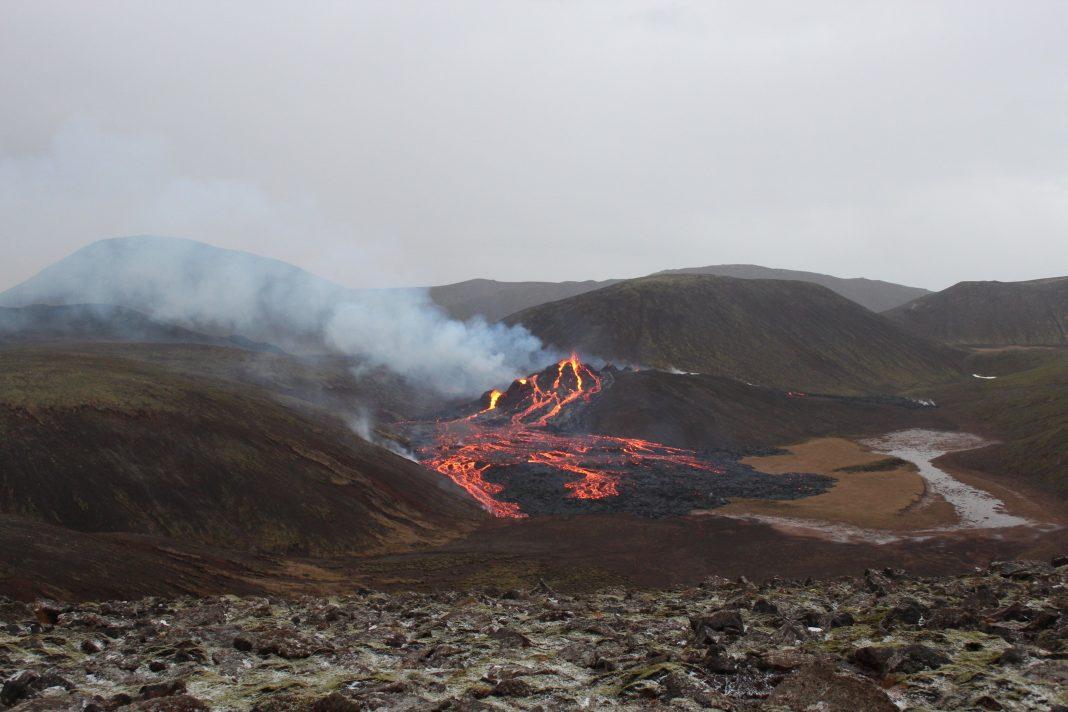 reykjanes drone volkan