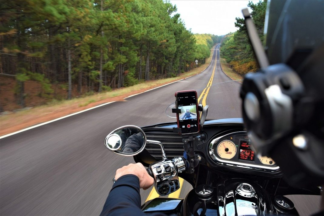 apple iphone motosiklet